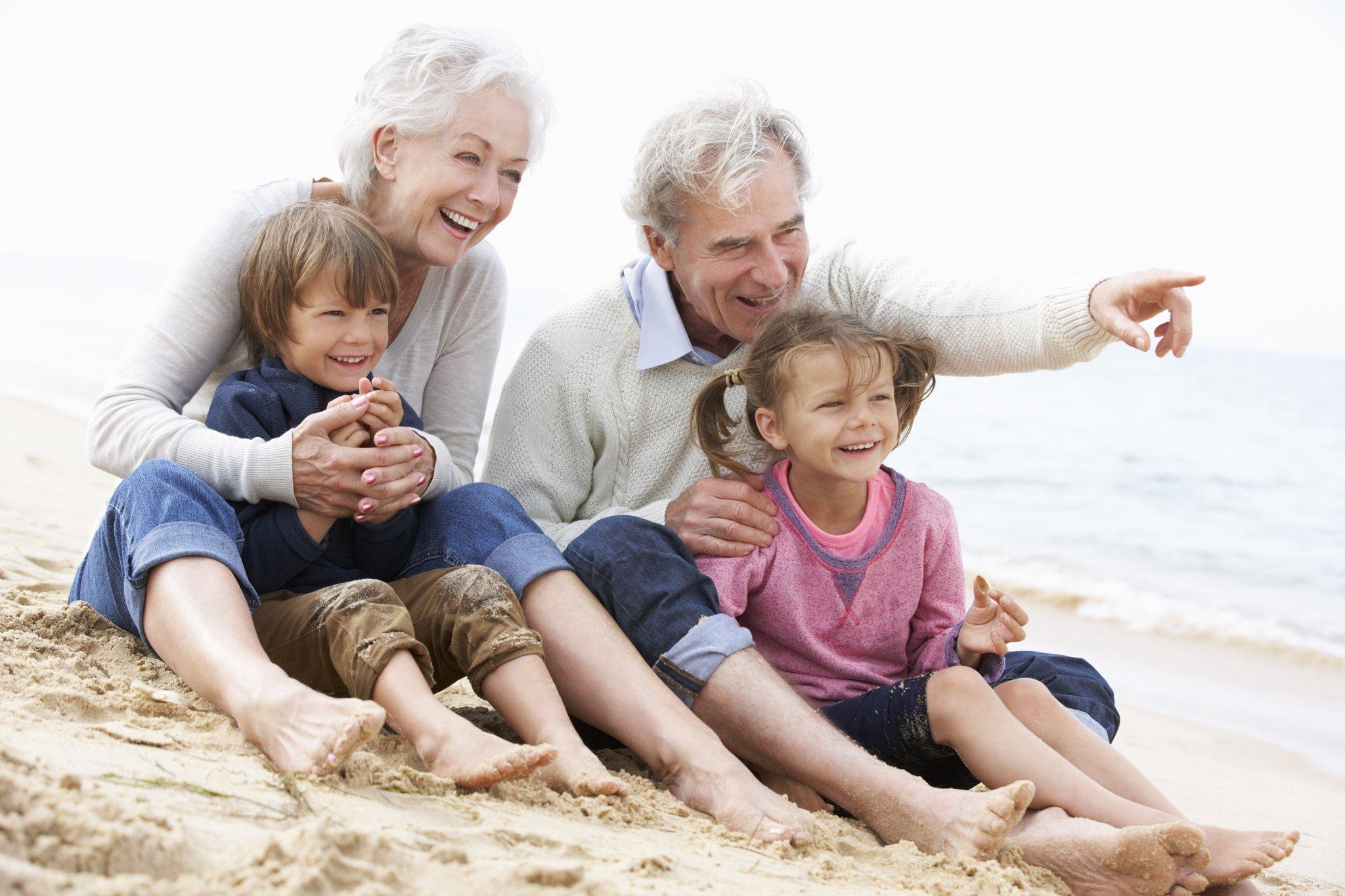Festa dei nonni - immagine nonni e nipoti