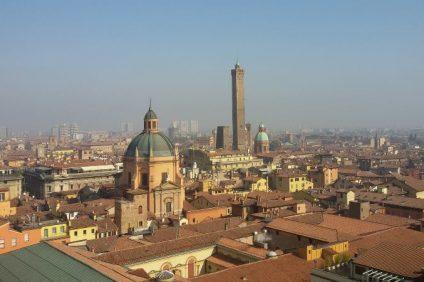 i sette segreti di Bologna - Panorama di Bologna dalla Basilica di San Petronio