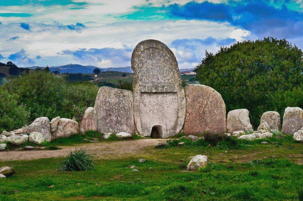 Tomba dei Giganti - Ara sacra