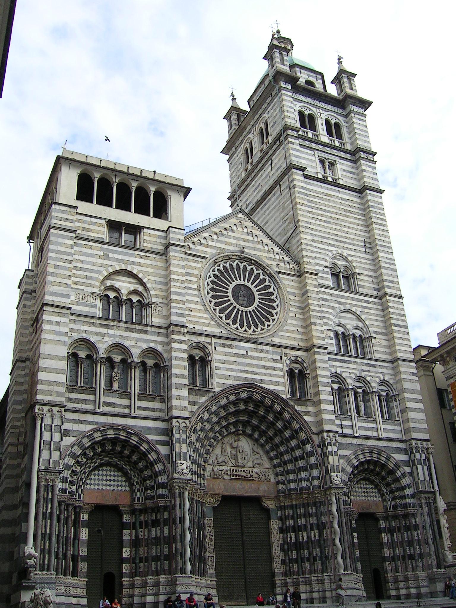 Inno - Il Duomo di Genova, San Lorenzo, centro storico, a pochi passi dalla casa ove Goffredo Mameli, di famiglia voltrese, ebbe i natali