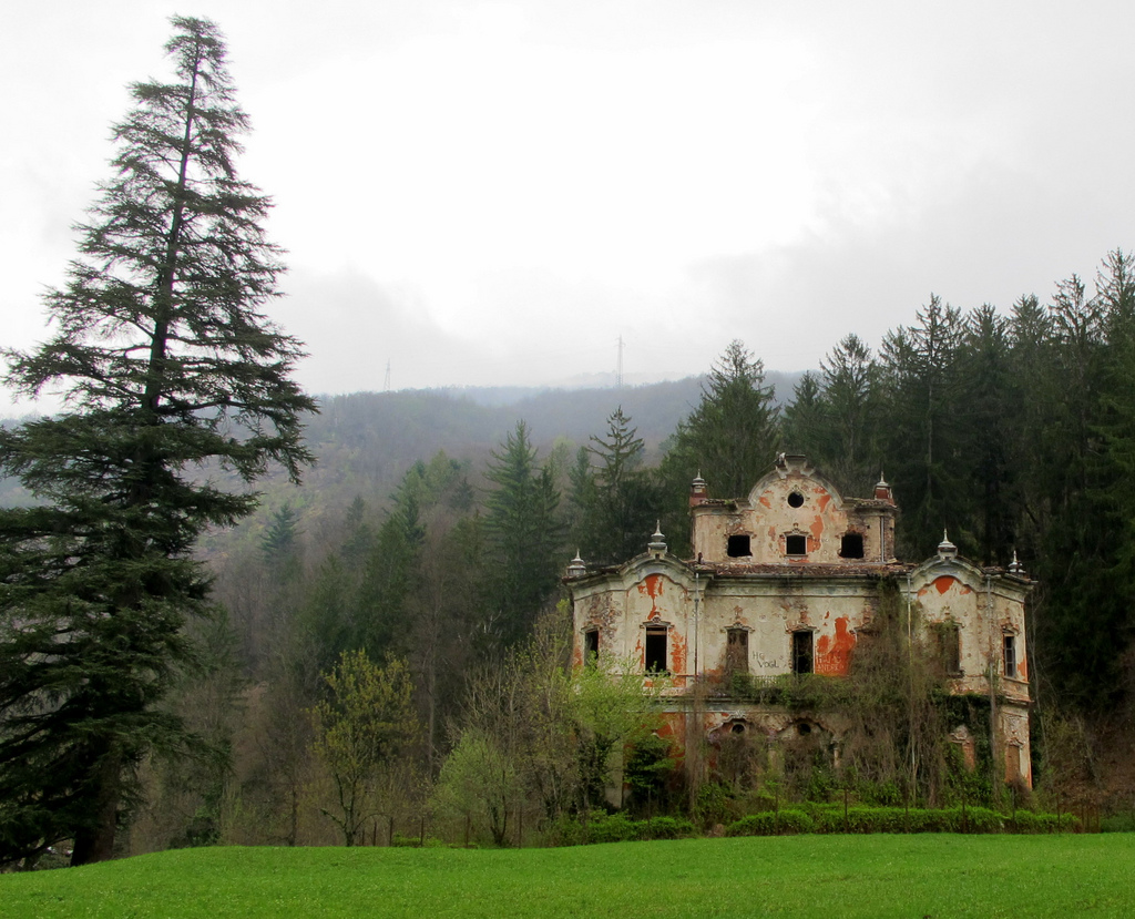 Villa De Vecchi (photo by Jeff Kerwin)