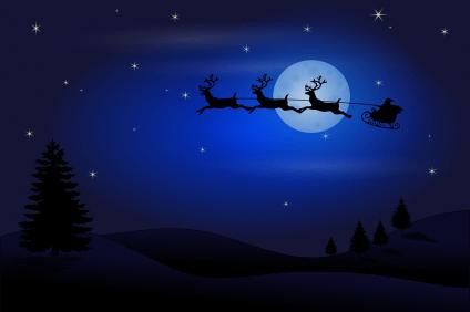 La slitta di Babbo Natale viaggia nella notte