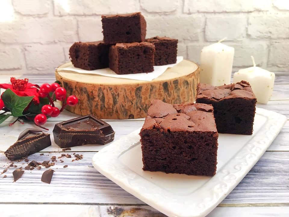 Torta al cioccolato fondente e zucchero di canna