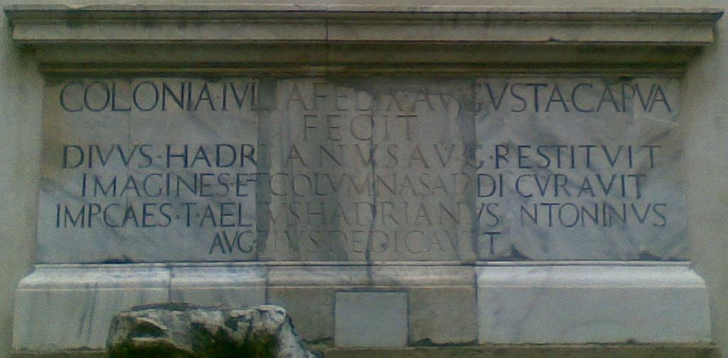 Anfiteatro di Capua - Iscrizione Colonia Iulia Felix