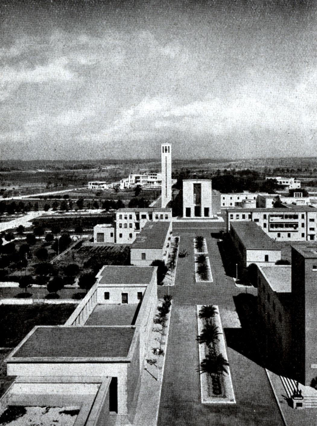 Architettura Razionalista - immagine di Sabaudia-35