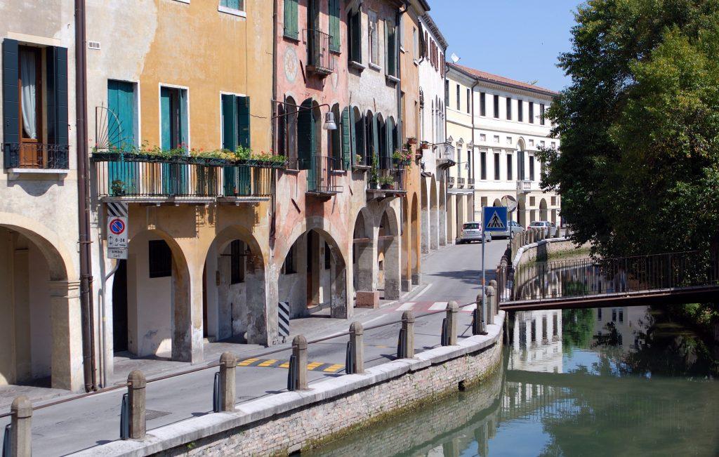 Treviso canali - Scorcio di uno dei canali di Treviso