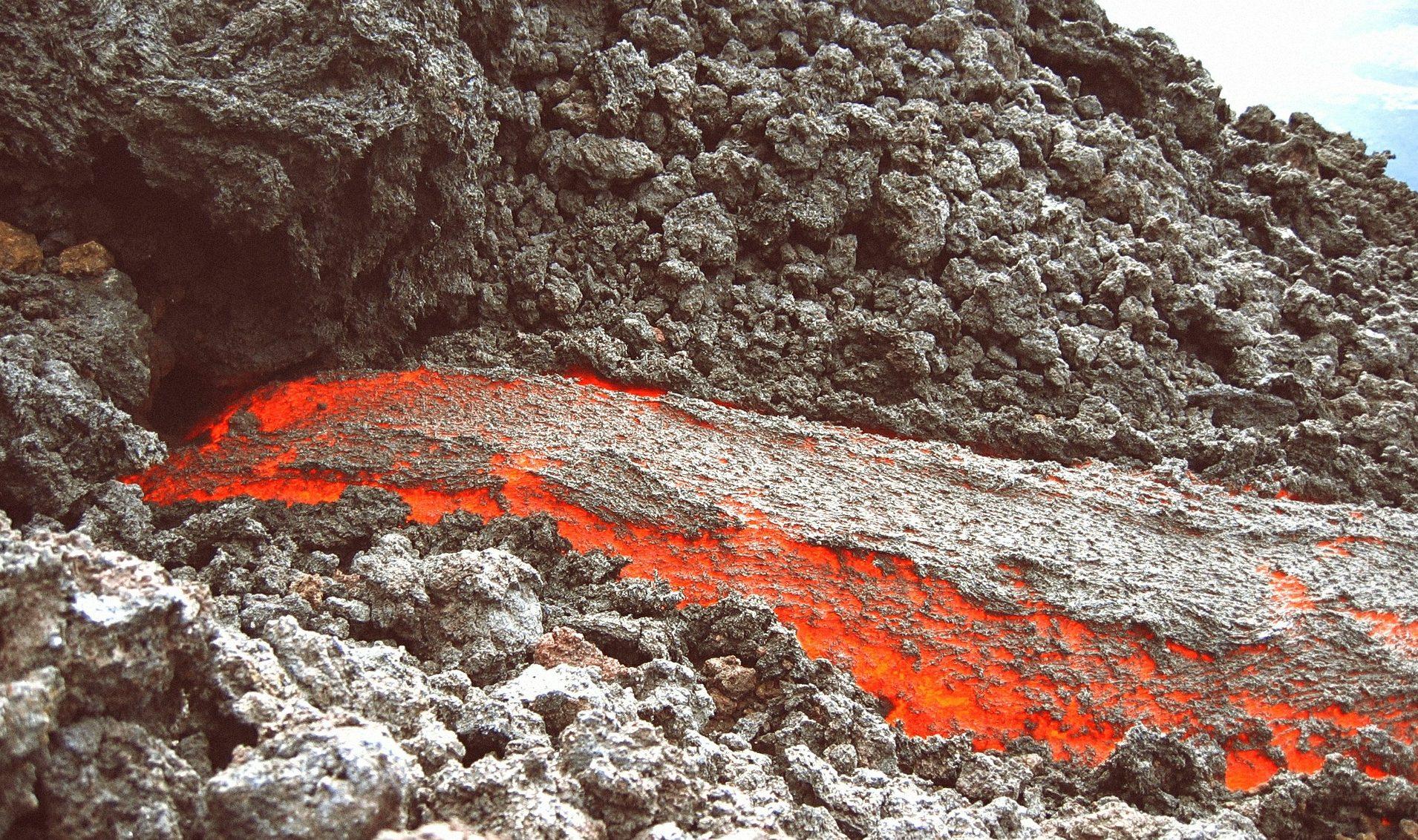 Vulcani colata lavica