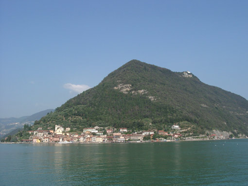Monte Isola - panorama (foto wikipedia)