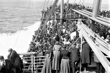 Italian migrants traveling on a ship