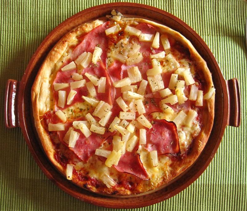 Primo aprile - La pizza con l'ananas che spaventa gli italiani