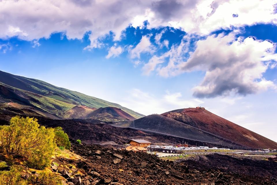 il giro di Sicilia - paesaggio con montagne