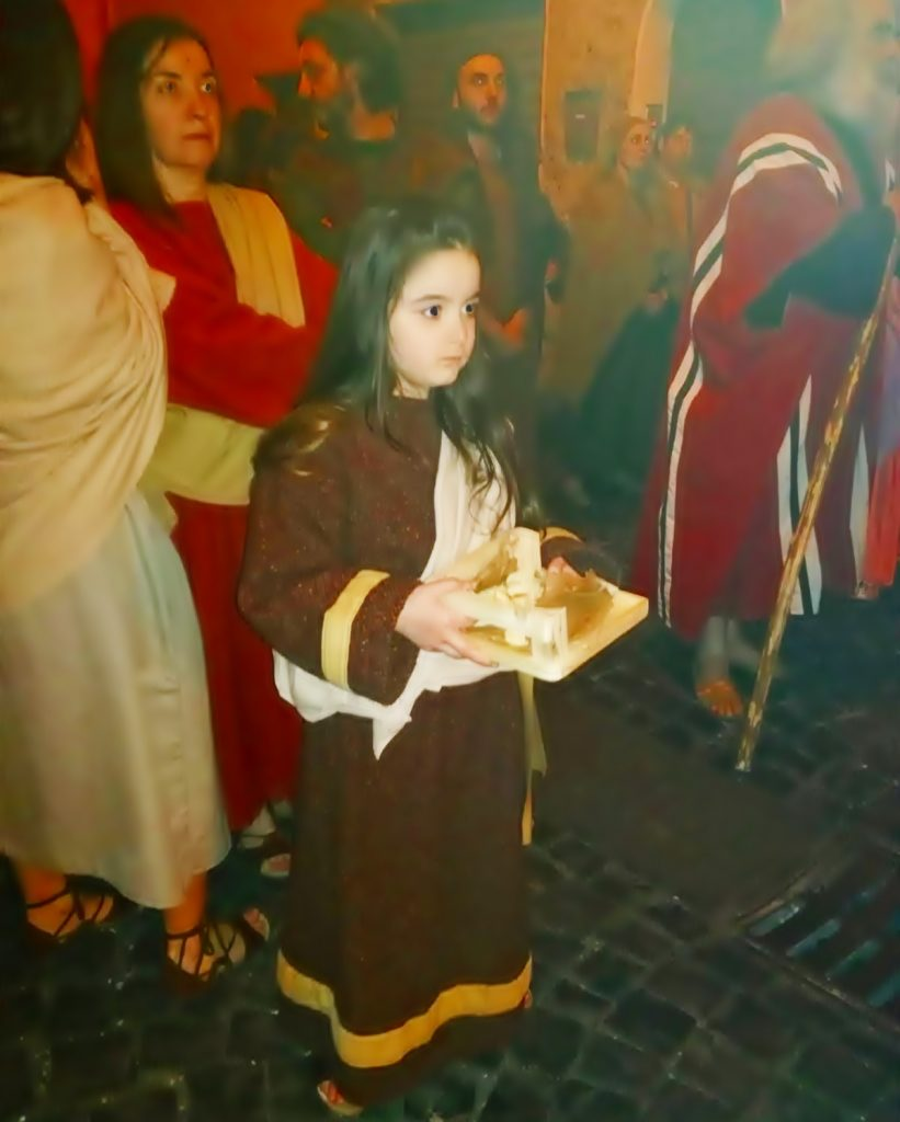 the passion of Sezze - a child who brings gifts