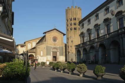 Orvieto, square with cathedral