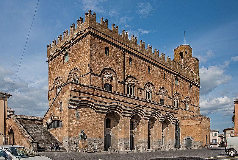 Orvieto, dettaglio di Palazzo del Capitano del Popolo