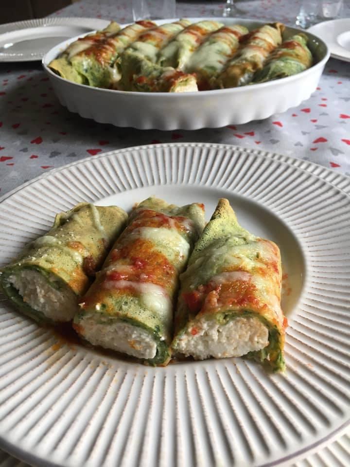 pirofila con i cannelloni di crepes ricotta e spinaci