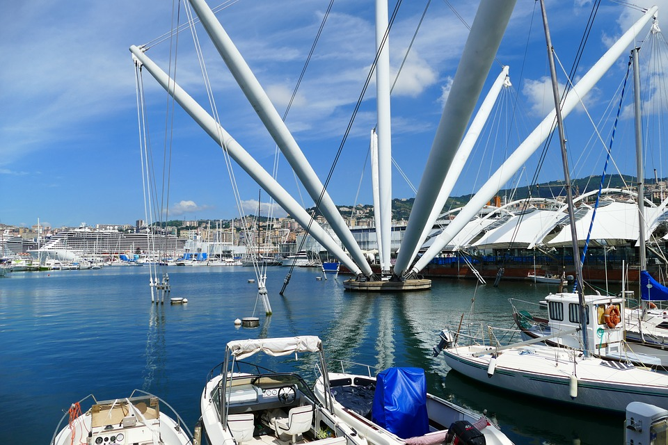 what to see in Genoa - city harbour