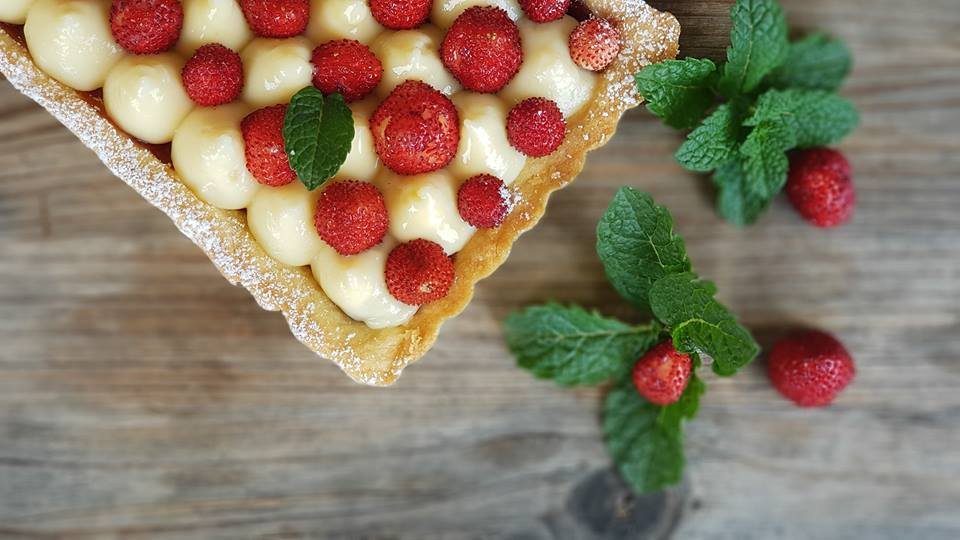 tartlets with custard and wild strawberries