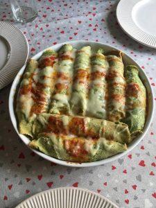 teglia con cannelloni di crepes ricotta e spinaci