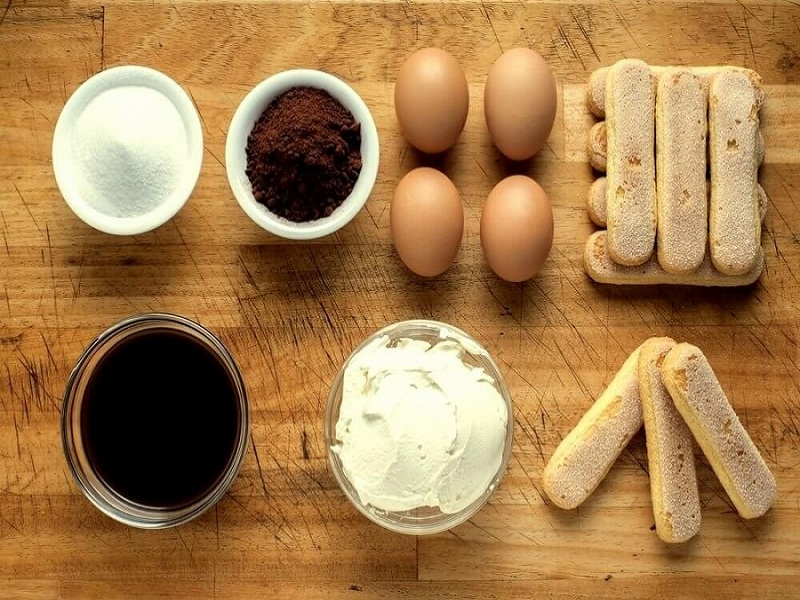 tiramisu: the basic ingredients