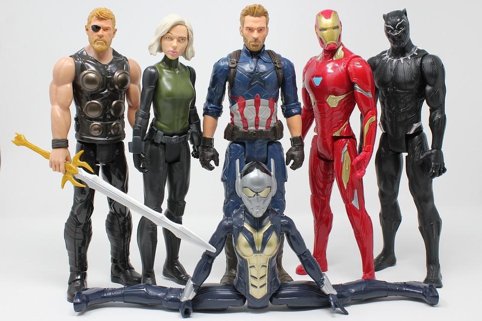 immagine delle riproduzioni degli Avengers