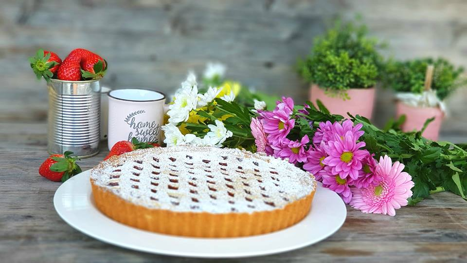 classic shortcurst pastry tart and flowers