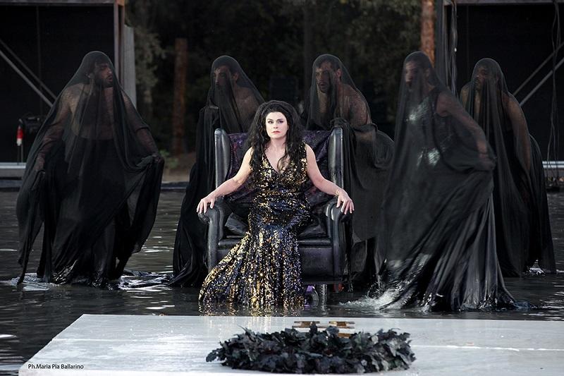L'attrice Laura Marinoni interprete di Elena per la stagione Inda a Siracusa