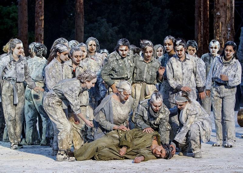 """""""Le troiane"""" al teatro greco di Siracusa per la stagione Inda"""