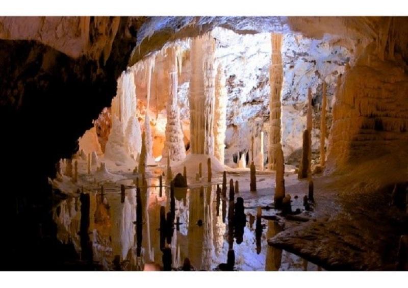 Caves of Is Zuddas - interior