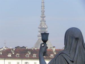 Esoteric Turin: the statue of faith