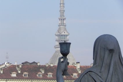 Esoteric Turin: the statue of faith
