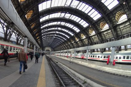 out-of.doors- Milan station