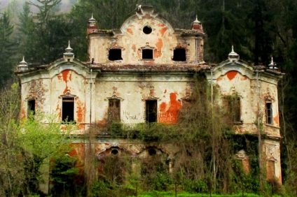 13 haunted houses: Villa de Vecchi