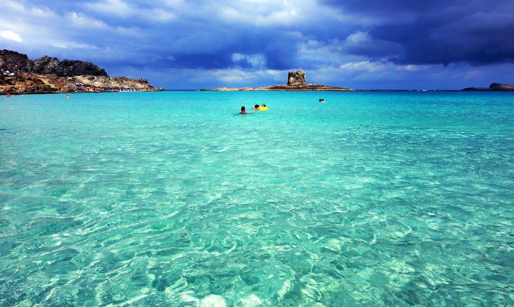 il mare cristallino della spiaggia della pelosa