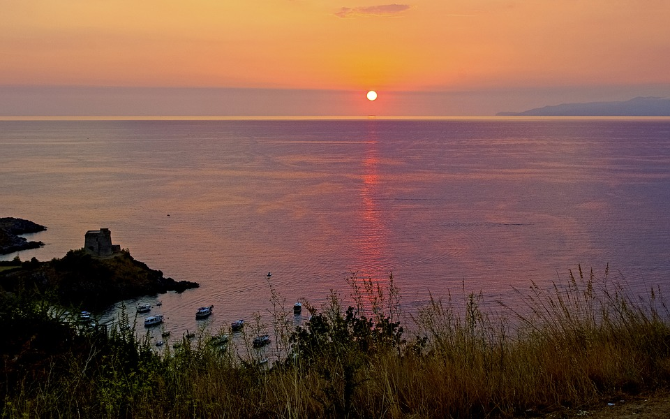 San Nicola Arcella. Image of the sunset over the sea of the Gulf of Policastro