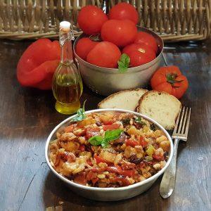 Caponata siciliana fritta e ingredienti principali