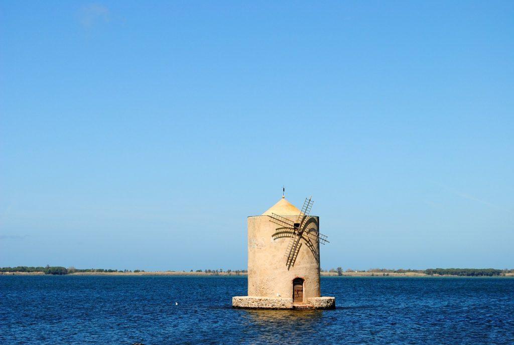 Orbetello. Mulino spagnolo nella laguna di Orbetello.