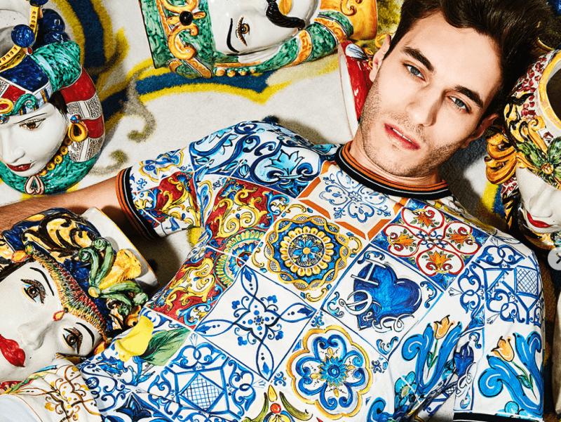Le magliette di Dolce & Gabbana realizzate con i disegni stilizzati delle Teste di Moro