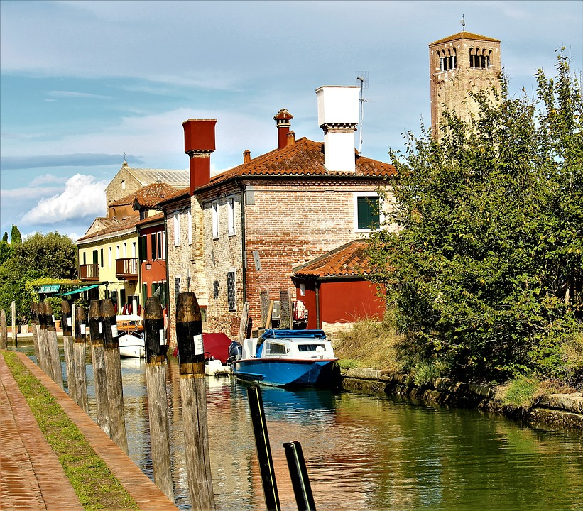 torcello - houses near the river