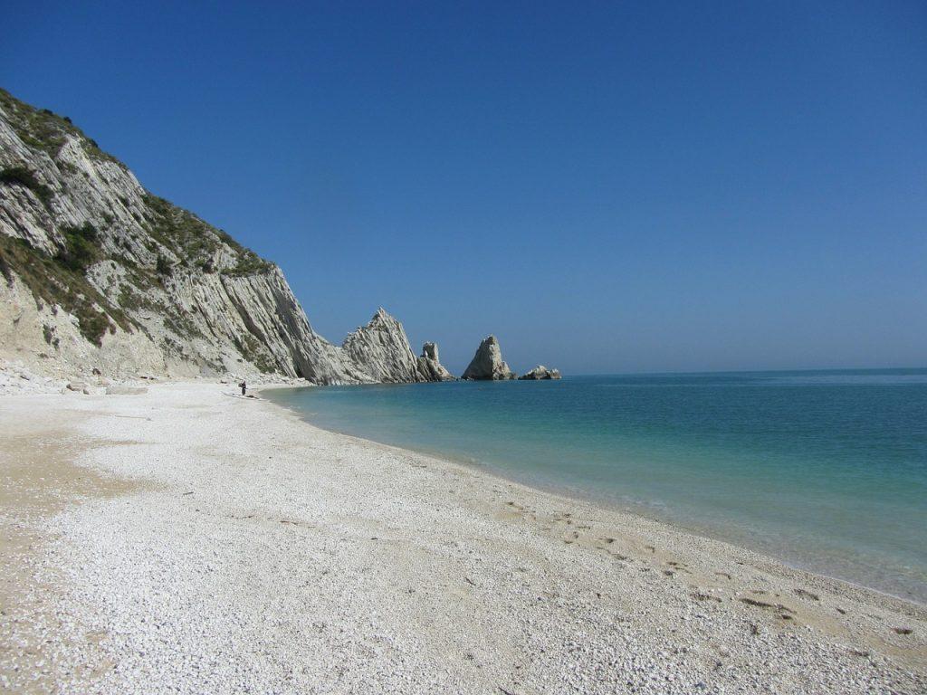 Spiaggia delle Due Sorelle - monte conero - Due Sorelle beach - monte conero