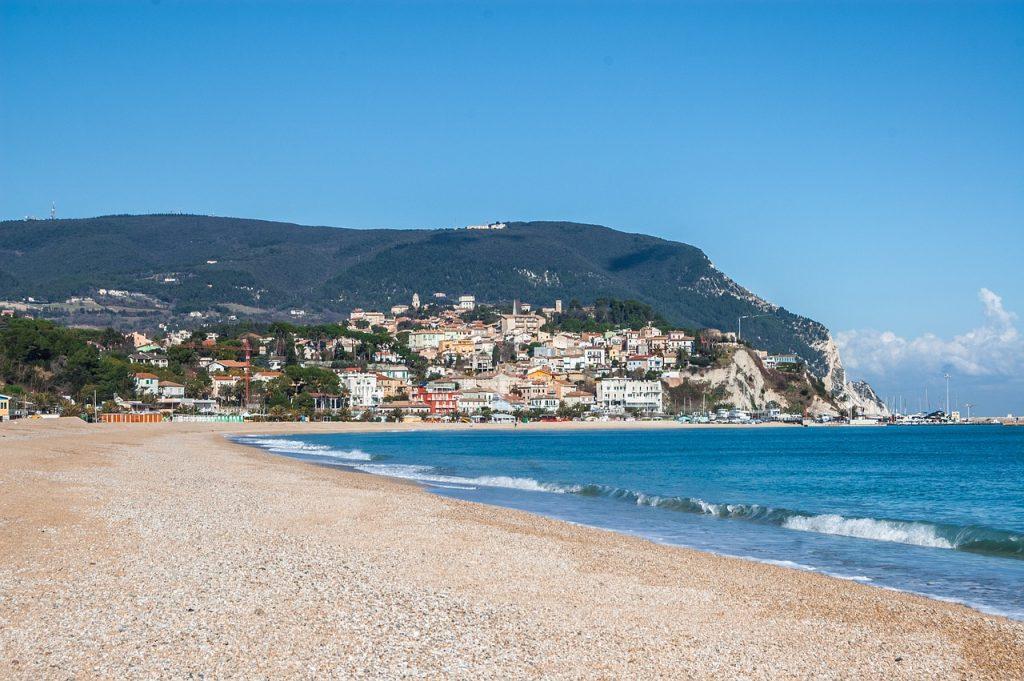 Spiaggia delle Due Sorelle - riviera del conero - Due Sorelle beach - riviera del conero