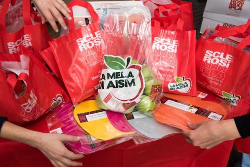 AISM - i sacchetti con le mele