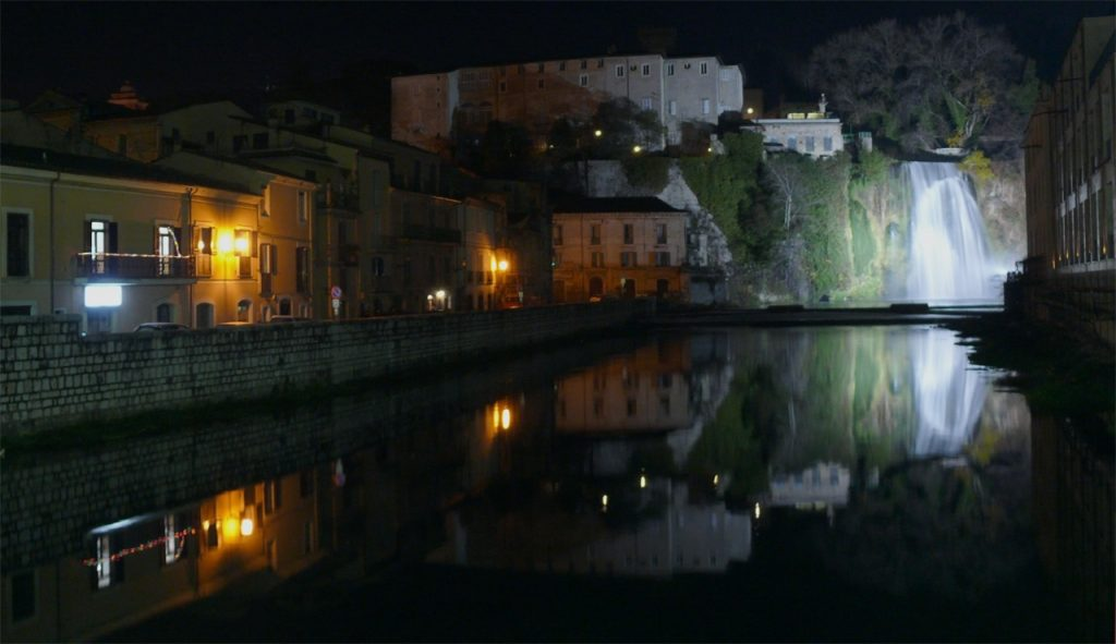 Isola del Liri in visione notturna