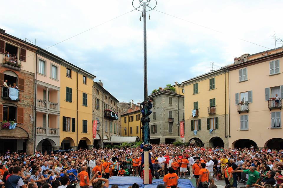 Bobbio and the palio of the districts