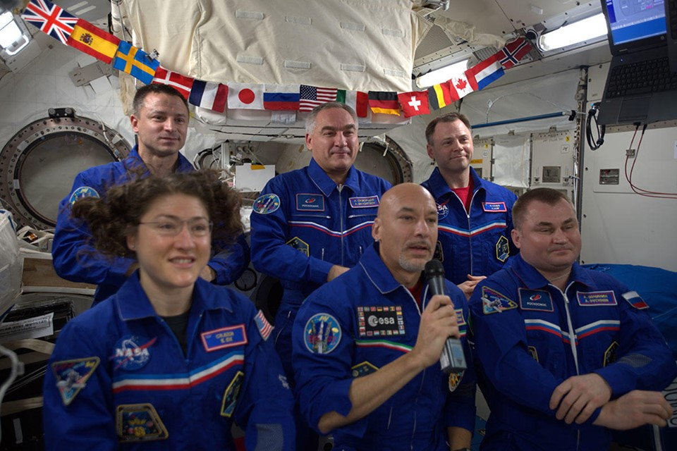 luca parmitanoand the other astronauts