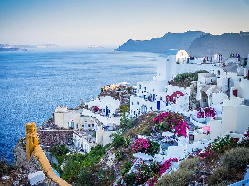 Un primo piano di Santorini in Grecia in cui si parla anche griko