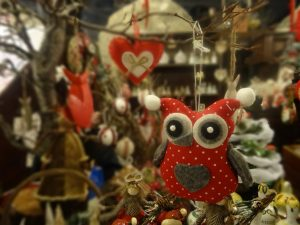 Christmas village - Christmas decoration in the shape of an owl