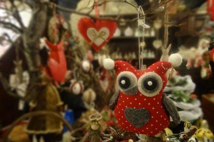 Villaggio di Natale - decorazione natalizia a forma di gufo