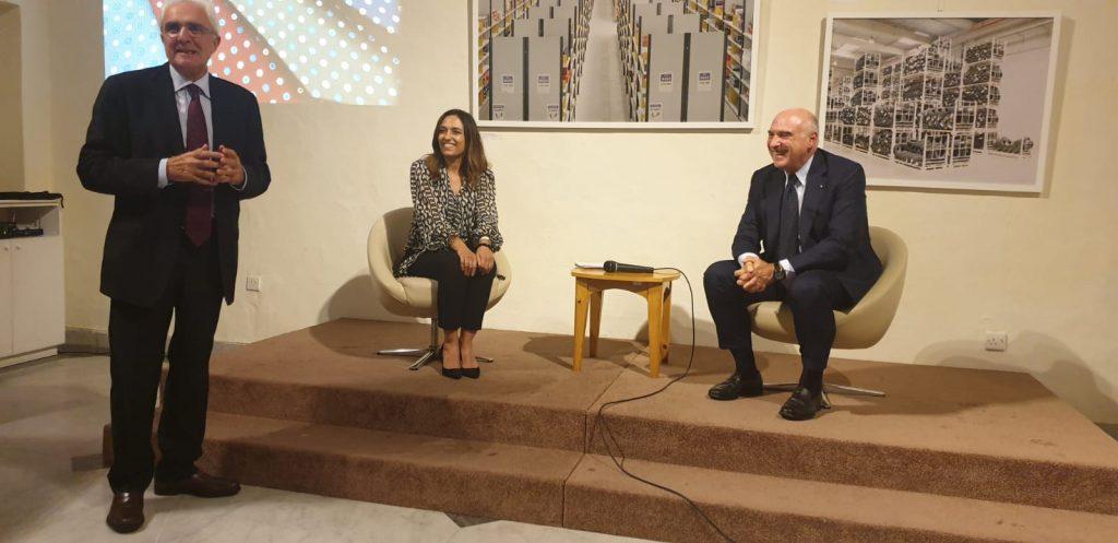 E. Marinella - Paola Stranges e Maurizio Marinella ascoltano l'intervento di Mario Sammartino Ambasciatore d'Italia a Malta