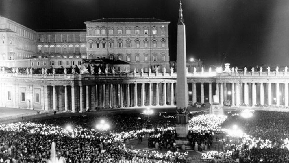 the speech to the moon in piazza san pietro by pope john XXIII