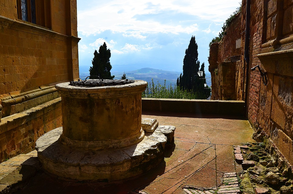 pienza and an ancient well